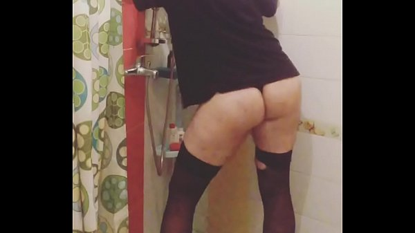 Thick ass, Showing