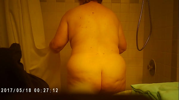 Voyeur, Voyeur shower, Mature shower