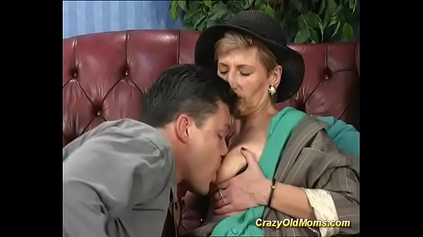 Mom anal, Anal mom, Anal first