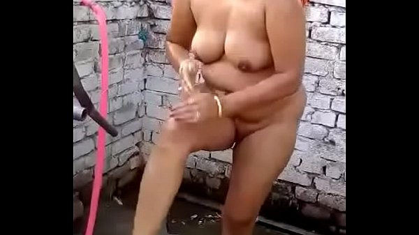 Bhabhi, Bath, Desi indian, Indian bhabhi, Indian bath, Open