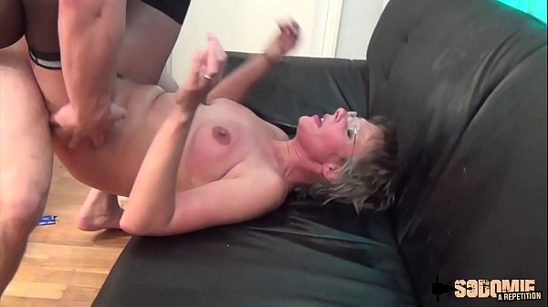Mom anal, Anal squirting, Anal mom